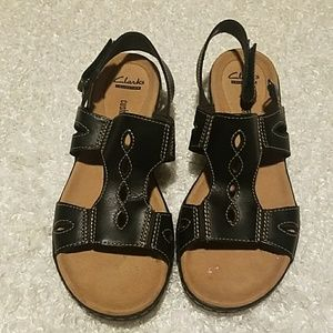 Clarks Collection soft cushion sandals size 8